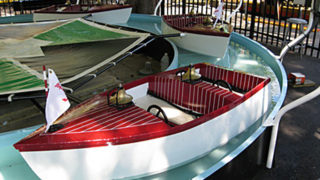 Boats kids ride at Canobie Lake Park