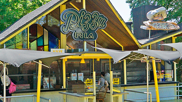 Pizza Ria food stand at Canobie Lake Park